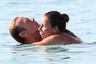 Rocco Siffredi con la moglie Rozsa Tassi in vacanza a Formentera: innamorati e felici