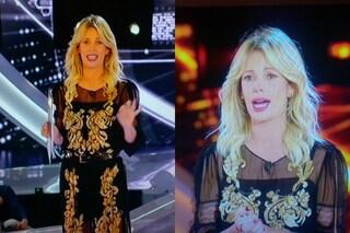 Alessia Marcuzzi, pizzi dorati e trasparenze per la terza puntata del Grande Fratello 2015