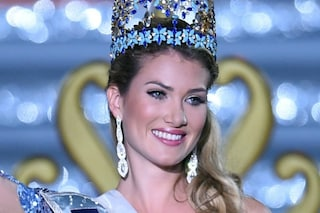 Mireia Lalaguna Royo è Miss Mondo 2015, è la prima spagnola a vincere il concorso