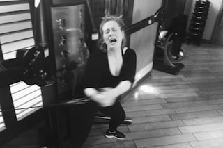 Adele piange in palestra per la fatica, la foto diventa virale