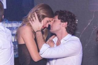 Barbara e Manfredi scatenati in discoteca, dopo il GF la passione continua