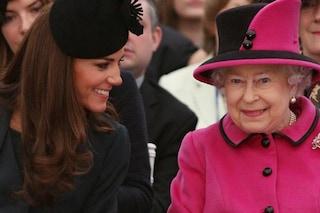 """Guerra finita tra Elisabetta e Kate Middleton: """"Per la regina è un'ottima moglie e mamma"""""""