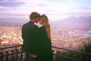Belén Rodriguez è a Napoli, con lei ci sono gli amici di Stefano De Martino