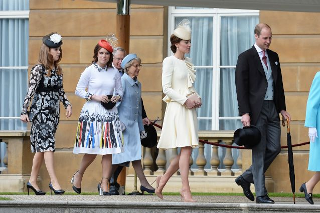Kate Middleton come Cenerentola con le cugine in versione 'Anastasia e Genoveffa'