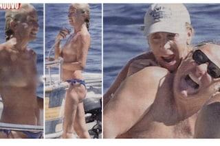 Gerry Scotti si gode la pausa dalla tv e Gabriella Perino lo seduce in topless