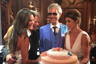 """""""Happy birthday Elisabetta Canalis"""", è Andrea Bocelli a cantare per l'ex velina"""