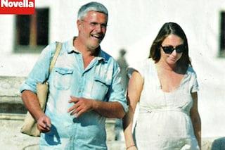 Enrico Lucci diventa padre a 52 anni, la fidanzata Diana è incinta e all'ottavo mese