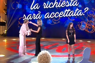 """""""Selfie"""" con rissa, Paola Caruso dà della stronza ad Alessia Macari e lascia lo studio"""