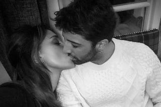"""""""Amare è folle, amarti no"""": Iannone al bacio con la sua Belén"""