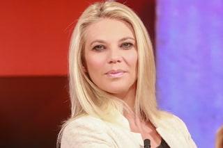 """Eleonora Daniele in tv col pancione: """"Non è pericoloso. Uso una piastra e mi trucco da sola"""""""