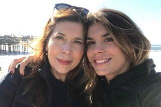 Elisabetta Canalis e gli auguri a mamma Bruna, torna il sorriso dopo la morte del padre