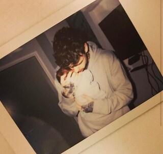 Liam Payne è diventato papà, lui mostra il piccolo sui social