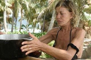 """Eva Grimaldi: """"Sono spaventata, il cibo è finito e ho i crampi per la fame"""""""