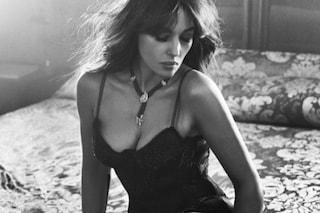 Monica Bellucci a 52 anni, più sexy che mai in uno scatto in bianco e nero