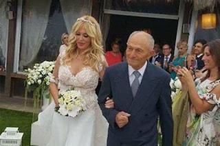 Roberta Bruzzone sposa Massimo Marino: le foto del matrimonio sulla spiaggia di Fregene