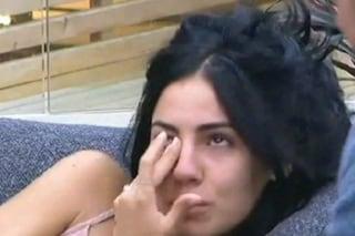 """Giulia De Lellis piange per Andrea Damante: """"Chissà che sta facendo fuori di qui"""""""