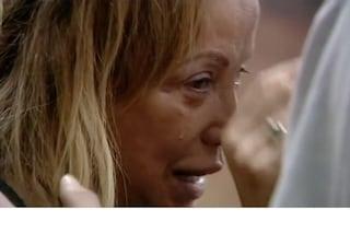 """Simona Izzo in lacrime fa un appello a Ricky Tognazzi: """"Vieni a urlare il mio nome fuori dalla casa"""""""
