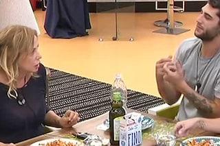 """Simona Izzo litiga con Jeremias: """"Ipocrita è chi non prende posizione"""""""