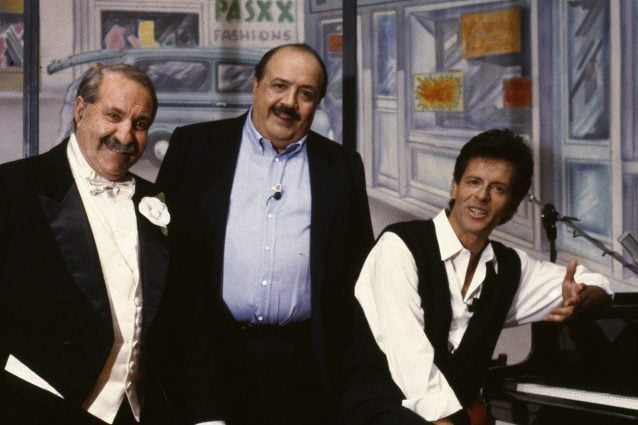 Baglioni con Maurizio Costanzo e Franco Bracardi (foto Lapresse)