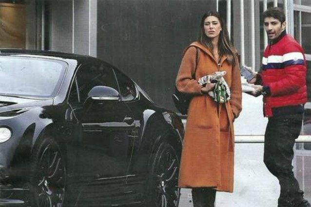 """""""Belén Rodriguez e Andrea Iannone si sono fatti un regalo, una Bentley da 400 mila euro"""""""