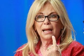 """Critiche a Rita Dalla Chiesa, parla """"troppo"""" di Fabrizio Frizzi: """"Silenzio, ha cresciuto mia figlia"""""""