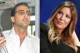 """Fabrizio Corona querela Selvaggia Lucarelli, lei: """"Non parlo con chi entra ed esce di galera"""""""