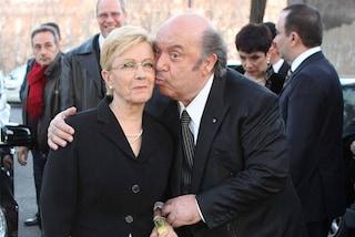 """Lino Banfi sulla malattia della moglie Lucia Zagaria: """"Non mi rassegno, dovevamo invecchiare insieme"""""""