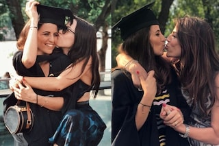 Sara Daniele si è laureata, a festeggiarla mamma Fabiola Sciabbarrasi e Aurora Ramazzotti