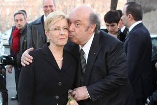 """Lino Banfi torna a sorridere: """"Mia moglie Lucia sta meglio, grazie all'affetto della famiglia"""""""