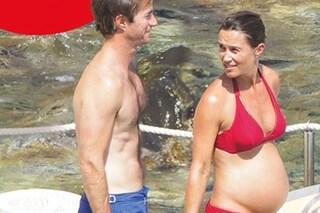 Pippa Middleton incinta, la prima foto con il pancione durante le vacanze in Italia