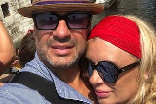 Tina Cipollari ufficializza l'amore con Vincenzo Ferrara: ecco la foto romantica con il fidanzato