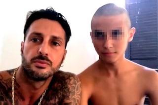 """Il figlio di Fabrizio Corona sbarca su Instagram, ma Nina Moric disapprova: """"Carlos va protetto"""""""