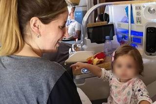 """Clio Zammatteo attacca Emirates: """"Viaggiare con una bambina è una missione impossibile"""""""