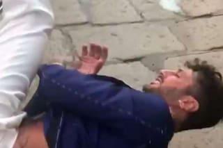 Rissa di Fabrizio Corona a Milano, fa a botte con un uomo che aveva insultato Nina Moric e Carlos