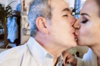 Lamberto Sposini, baci a Barbara D'Urso in camerino prima di Domenica Live