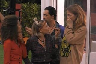 """Urla fuori dalla Casa del Grande Fratello Vip 2018, c'è il compagno di Jane Alexander: """"Sposami!"""""""