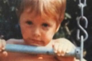 """Com'era Nadia Toffa a 3 anni, la foto d'epoca intenerisce tutti: """"Sembravo già con la parrucca"""""""