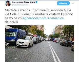 """""""Una manica di incivili"""", Alessandro Gassman infuriato per le auto in seconda fila a Roma"""