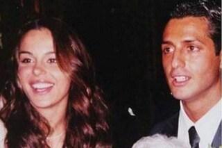 """Nina Moric mostra la foto delle nozze con Fabrizio Corona: """"Chi sono io per giudicarti?"""""""