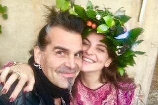 """Piero Pelù festeggia la laurea della figlia Linda: """"Orgoglio di babbo"""""""