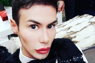 Angelo Sanzio in ospedale, il Ken umano del GF2018 picchiato e attaccato con insulti omofobi