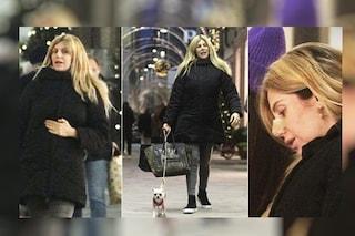 Paola Caruso incinta e solitaria al sesto mese, c'è solo il suo cane a tenerle compagnia