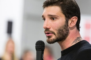Stefano De Martino sale in cattedra per un seminario su strategie social all'Accademia del Lusso