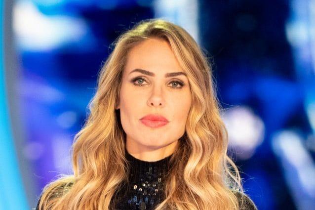 Grande Fratello, Giulia Salemi bacia Francesco Monte davanti a tutti