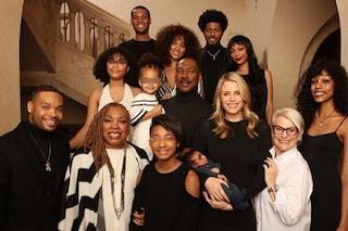 Eddie Murphy con i suoi 10 figli, riunione di famiglia per Natale 2018