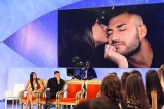 Lorenzo Riccardi ha scelto ma è solo una recita, sia Claudia che Giulia gli avrebbero detto sì