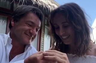 """Fabio Caressa e Benedetta Parodi di nuovo sposi alle Maldive: arriva il secondo """"si"""""""