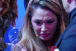 Scatta il bacio tra Riccardo Guarnieri e Roberta Di Padua, Ida Platano finisce in lacrime