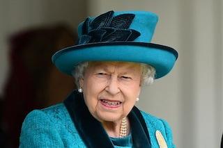 """""""Morta la Regina"""", #RIPQueenElizabeth in trend su Twitter ma è una bufala: Elisabetta è viva"""