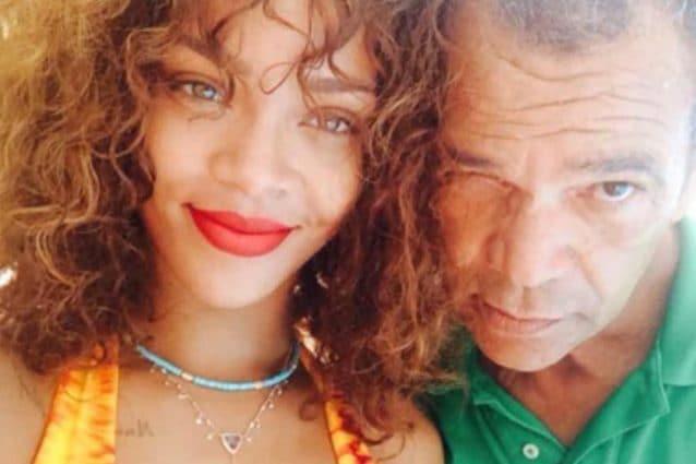 Rihanna ha fatto causa a suo padre